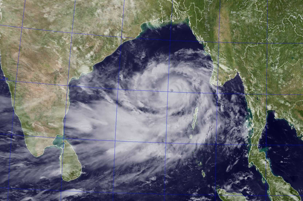 tropical_cyclone_phailin_nextSAT_wp