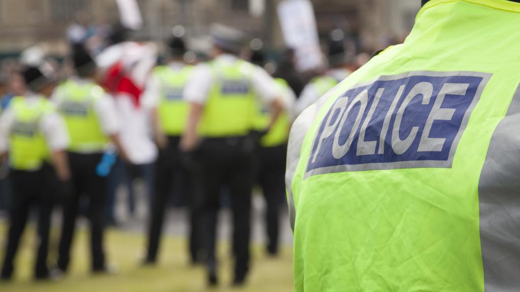 23_police_g_w