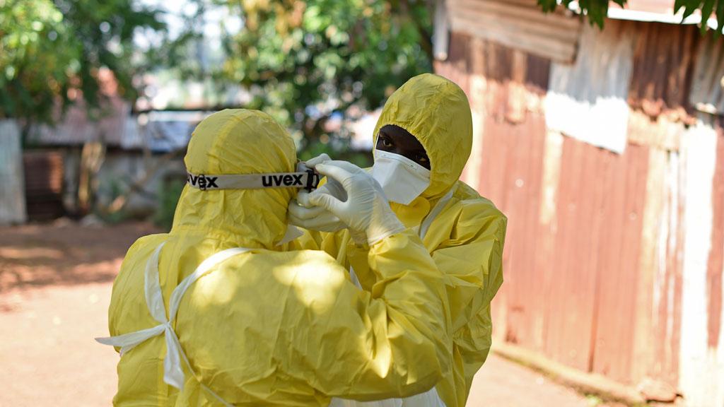 14_ebola_2_g_w