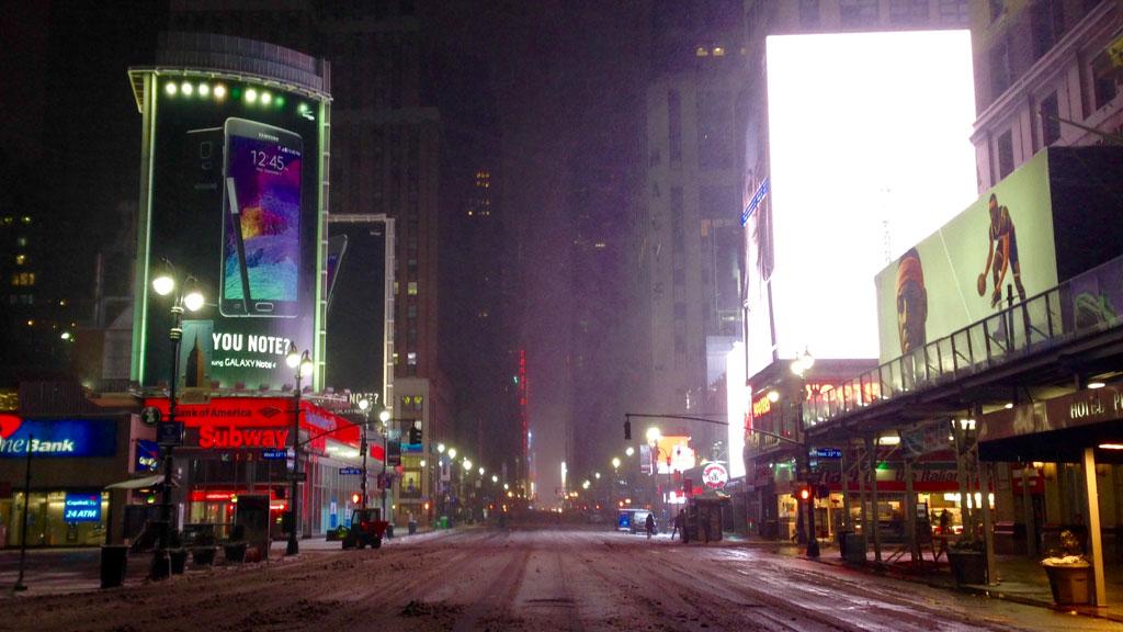 27_ny_snow_4deserted_w