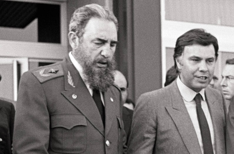 Fidel Castro visits Spain Commander Fidel Castro with Felipe Gonzalez, president of the Government, and Daniel Ortega, president of Nicaragua (Photo by Paco Junquera/Cover/Getty Images)